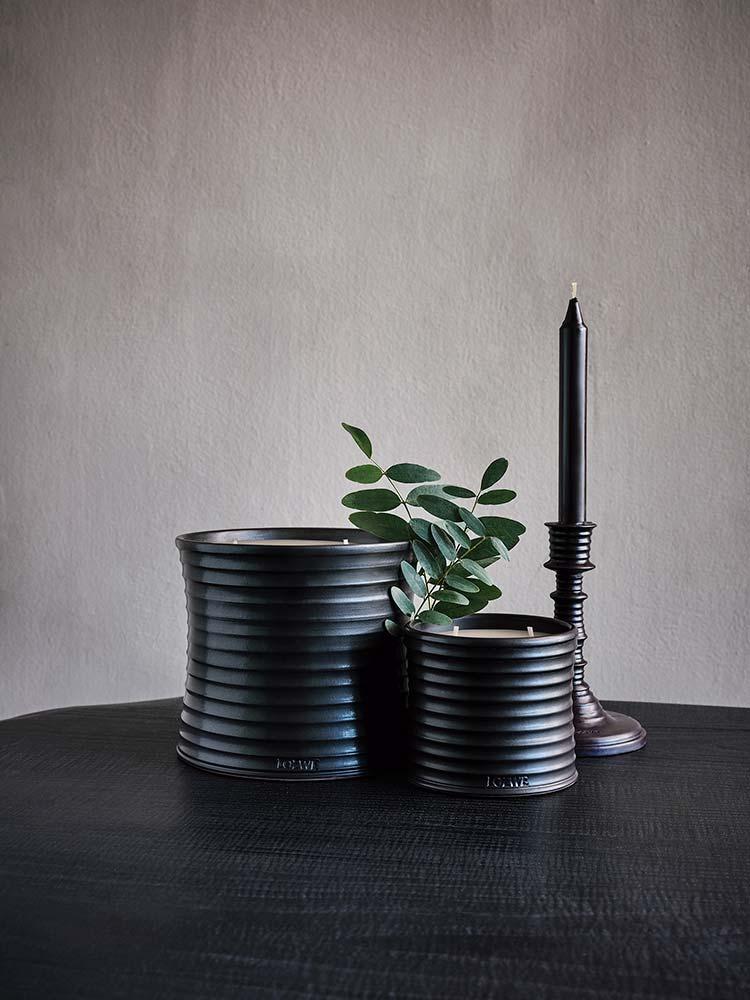 Velas de cerâmica da coleção Loewe Home Scents