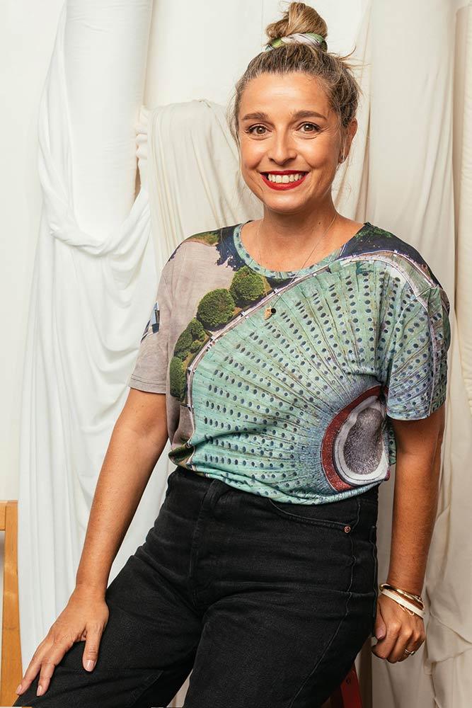 Márcia com a t-shirt palácio da Porto e Lisboa Collection 2020 | Photo: Dulce Daniel
