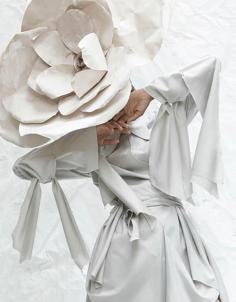 iTechstyle Green Circle | Designer: Alves Gonçalves | Material: Algodão e fibra de rosas, Somelos | Photo: Sorin Opait | Styling: Paulo Gomes