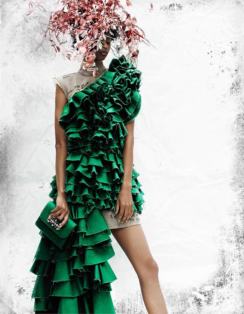 iTechstyle Green Circle | Designer: Nuno Baltazar | Material: Tenowa, Riopele | Photo: Sorin Opait | Styling: Paulo Gomes